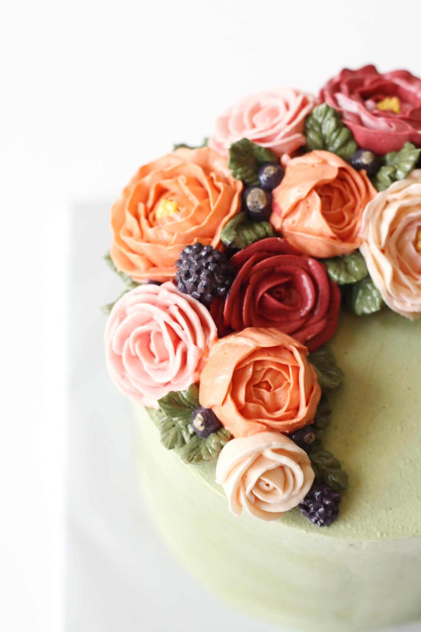 Layered Buttercream Florals by Liz Shim | Erin Gardner | Bluprint