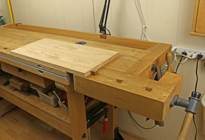 workbench tail vise and bench dogs
