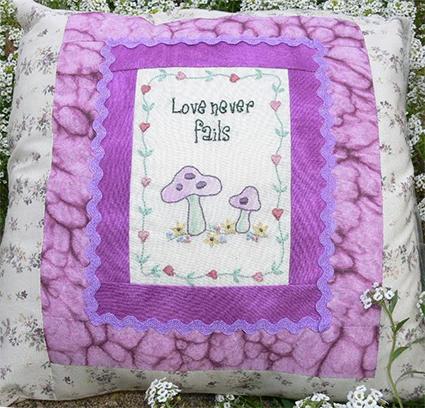 Love never fails free stitchery