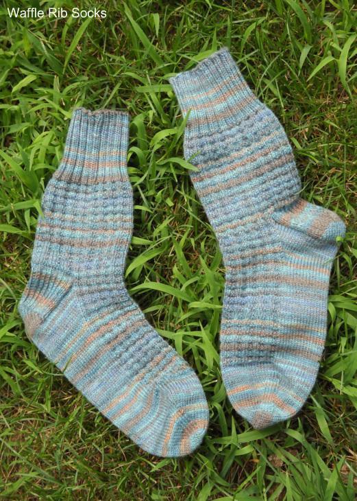 Waffle Rib Socks free knitting pattern