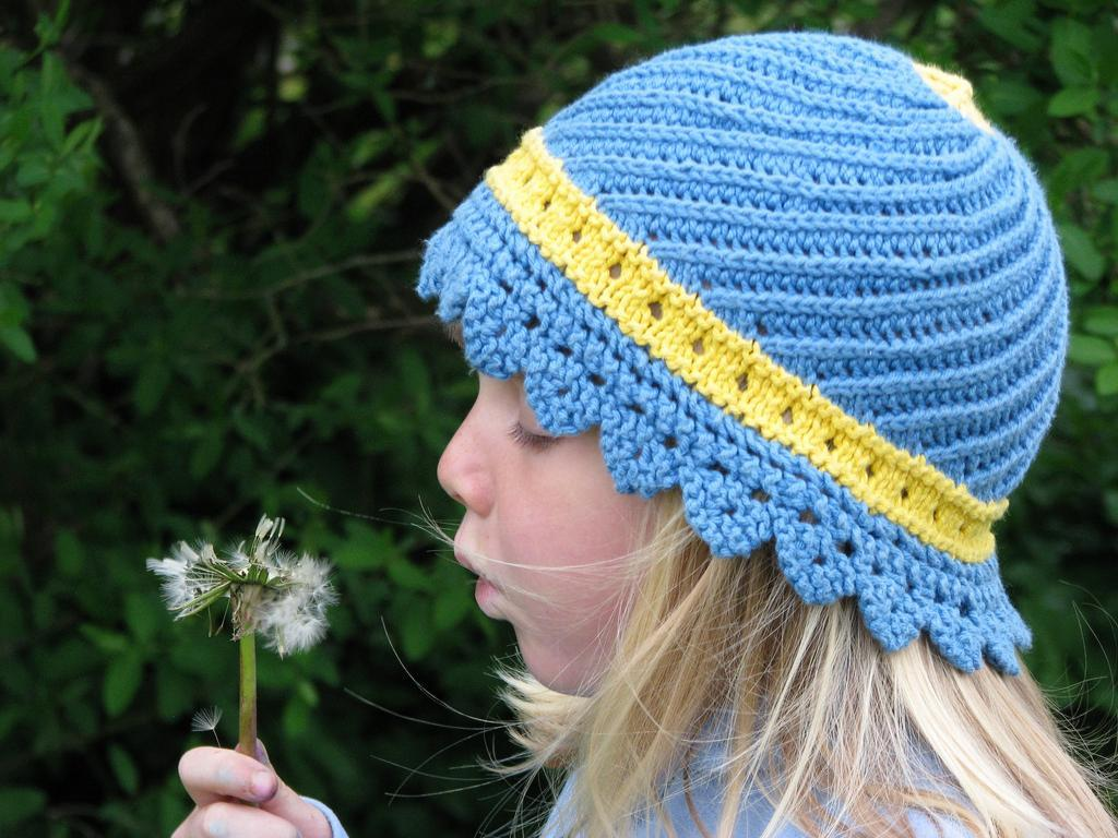 Swirling Sun Hat knitting pattern