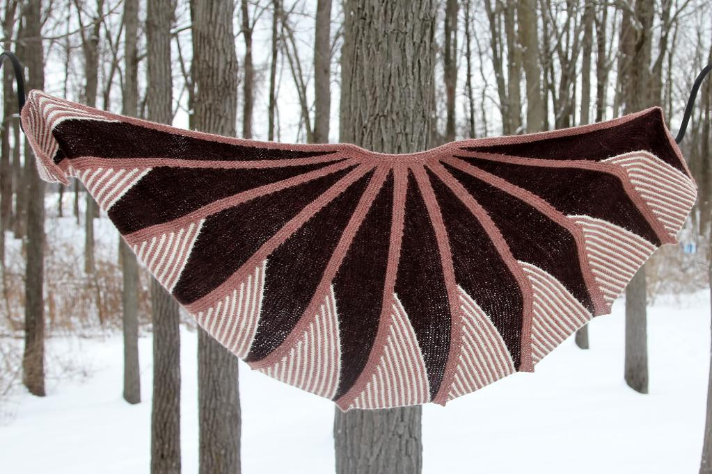 Short Row Fantasy shawl knitting pattern