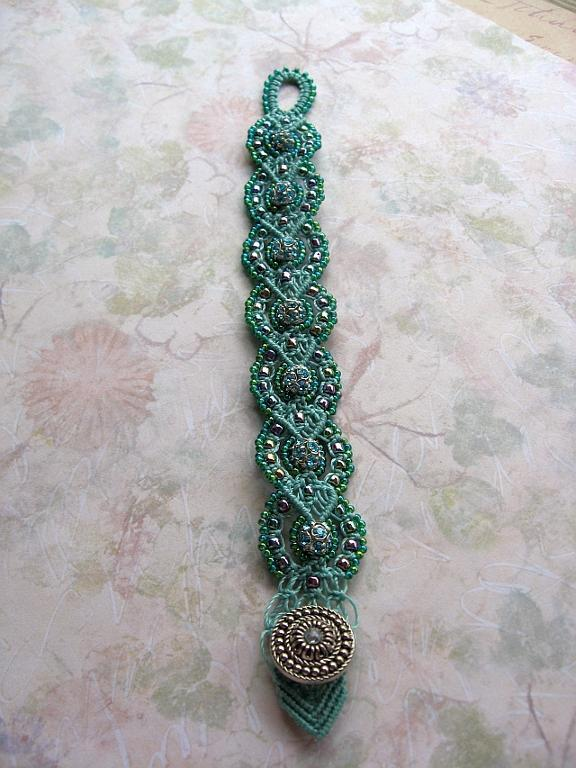 Micro Macrame Kitschy Baroque Bracelet pattern