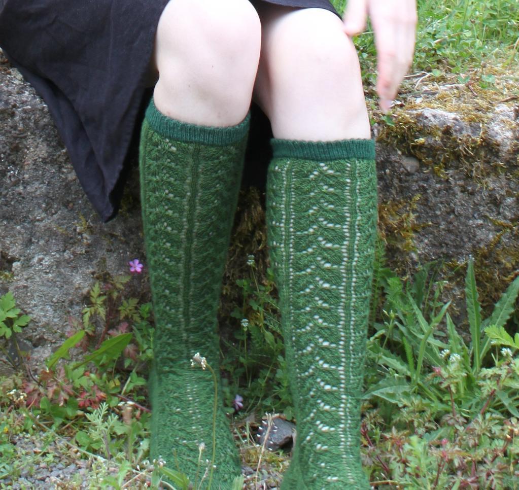 Zitronenmelisse lace socks free knitting pattern