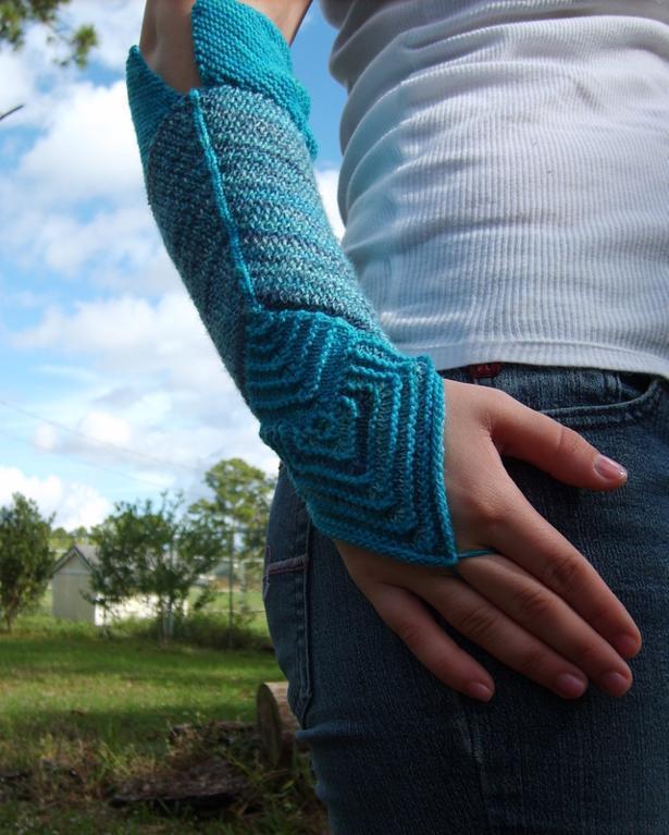 Angularities Armwarmers knitting pattern