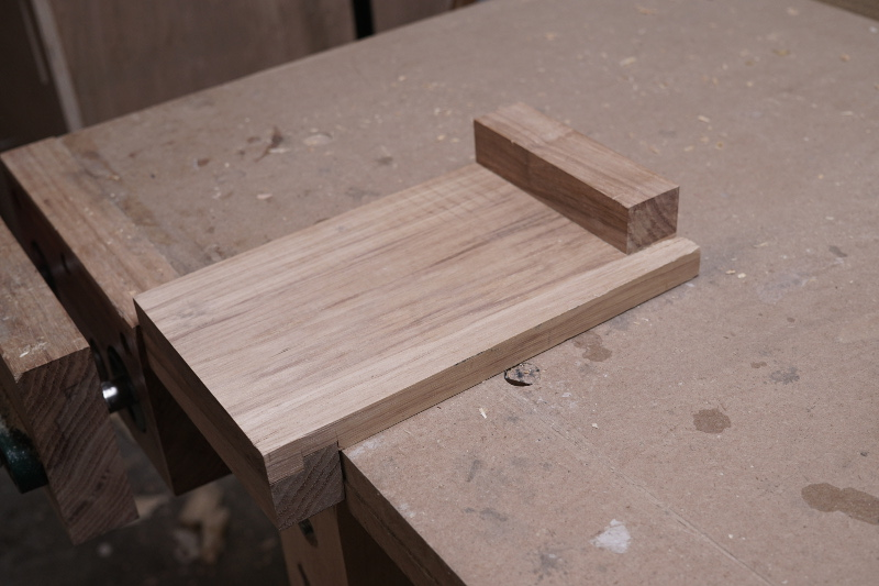 The versatile bench hook is primarily used for hand sawing.