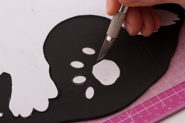 Cut out paw prints