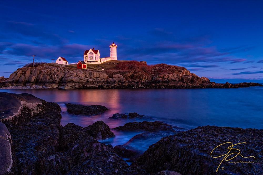 blue hour photo at Nubble Light