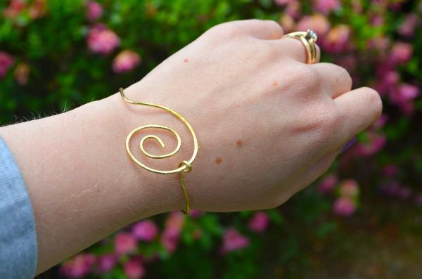 Simple Wire Bracelet