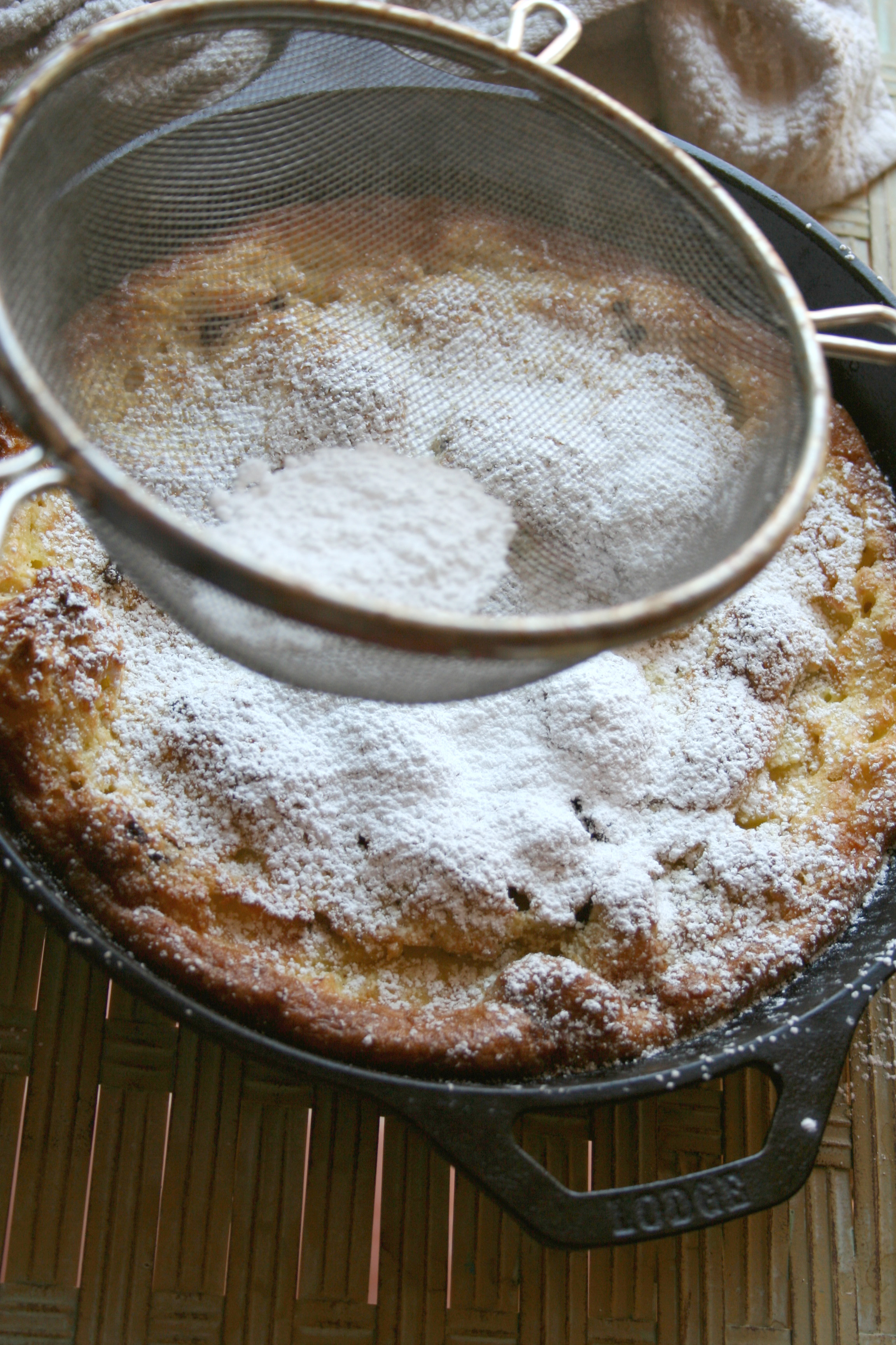 Finish off with confectioners' sugar