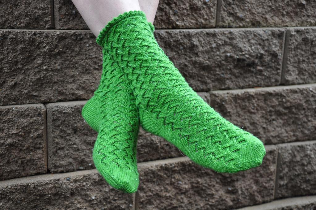Labyrinth Socks knitting pattern