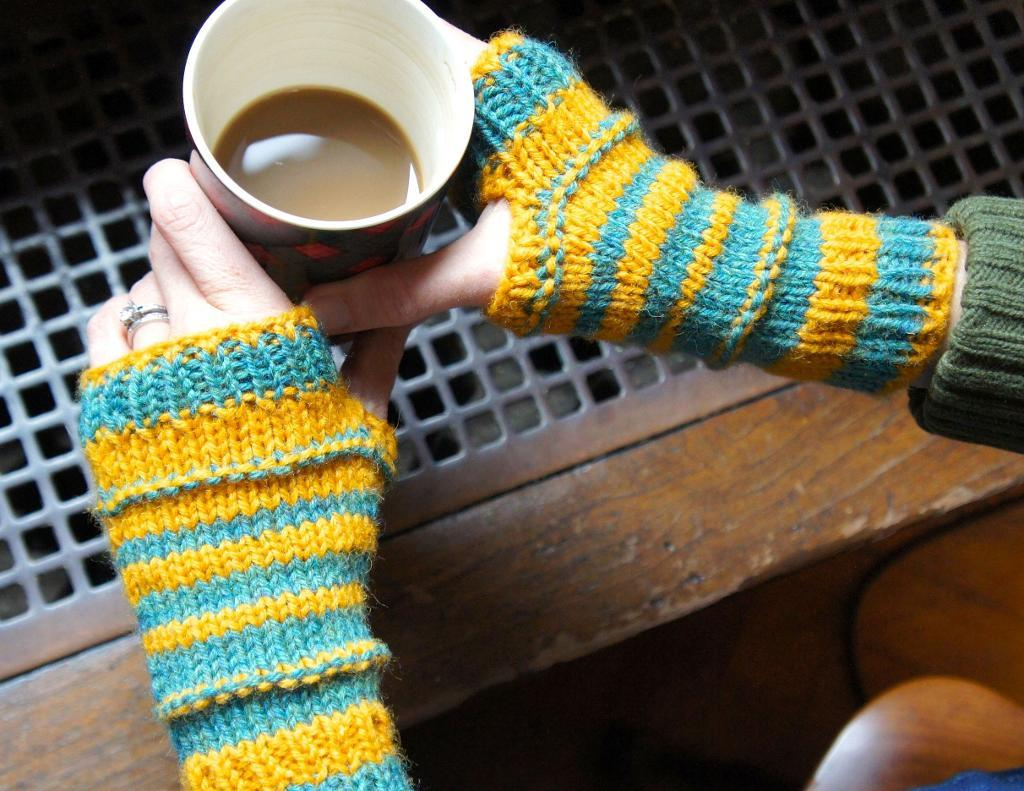Bumble Bee Knits knitting pattern
