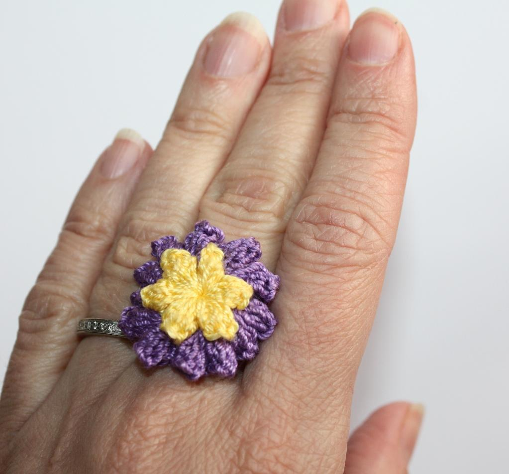 Lucy Ring free crochet pattern