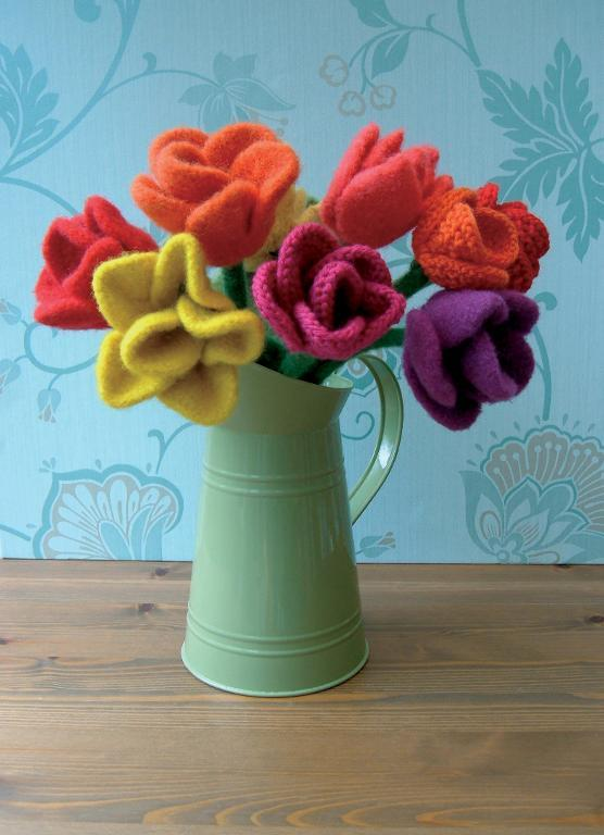Knitted Flower Pattern - Tulip