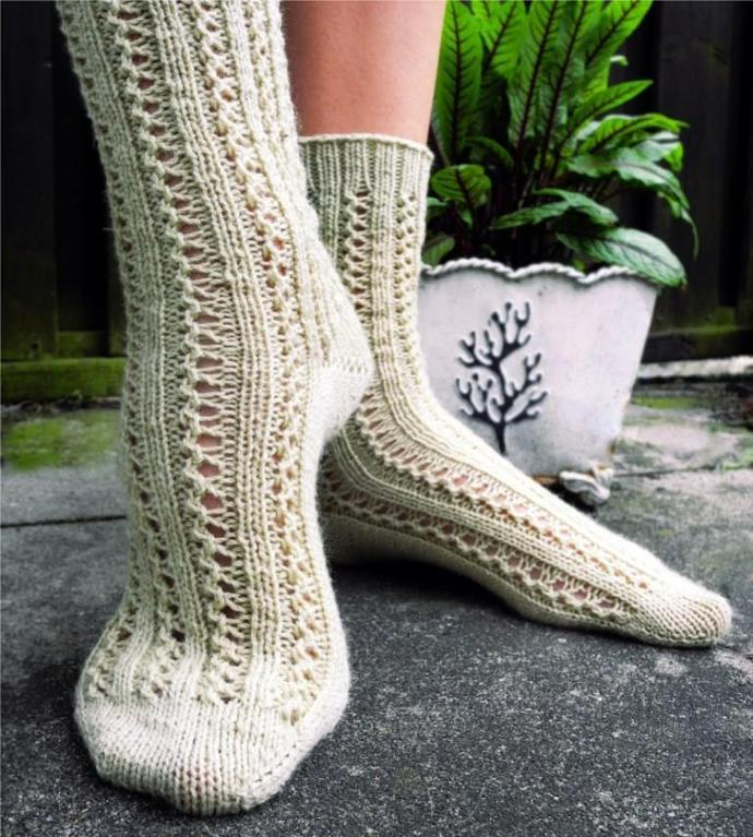 Double Lace Rib Toe-Up Sock knitting pattern
