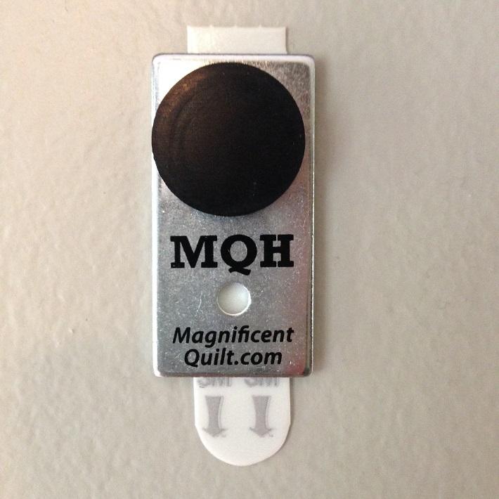quilt-hanger-magnet