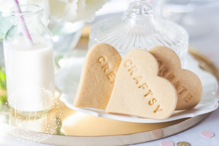 Need quick and impress treats? Find out how to stamp messages onto homemade sugar cookies!