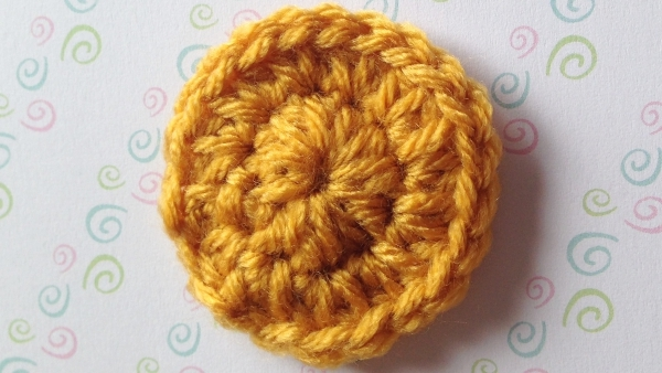Supportive disc for the crochet tulip