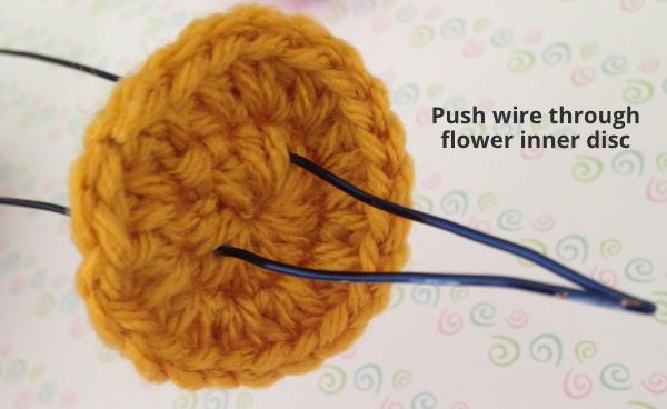 Assembling a crochet tulip