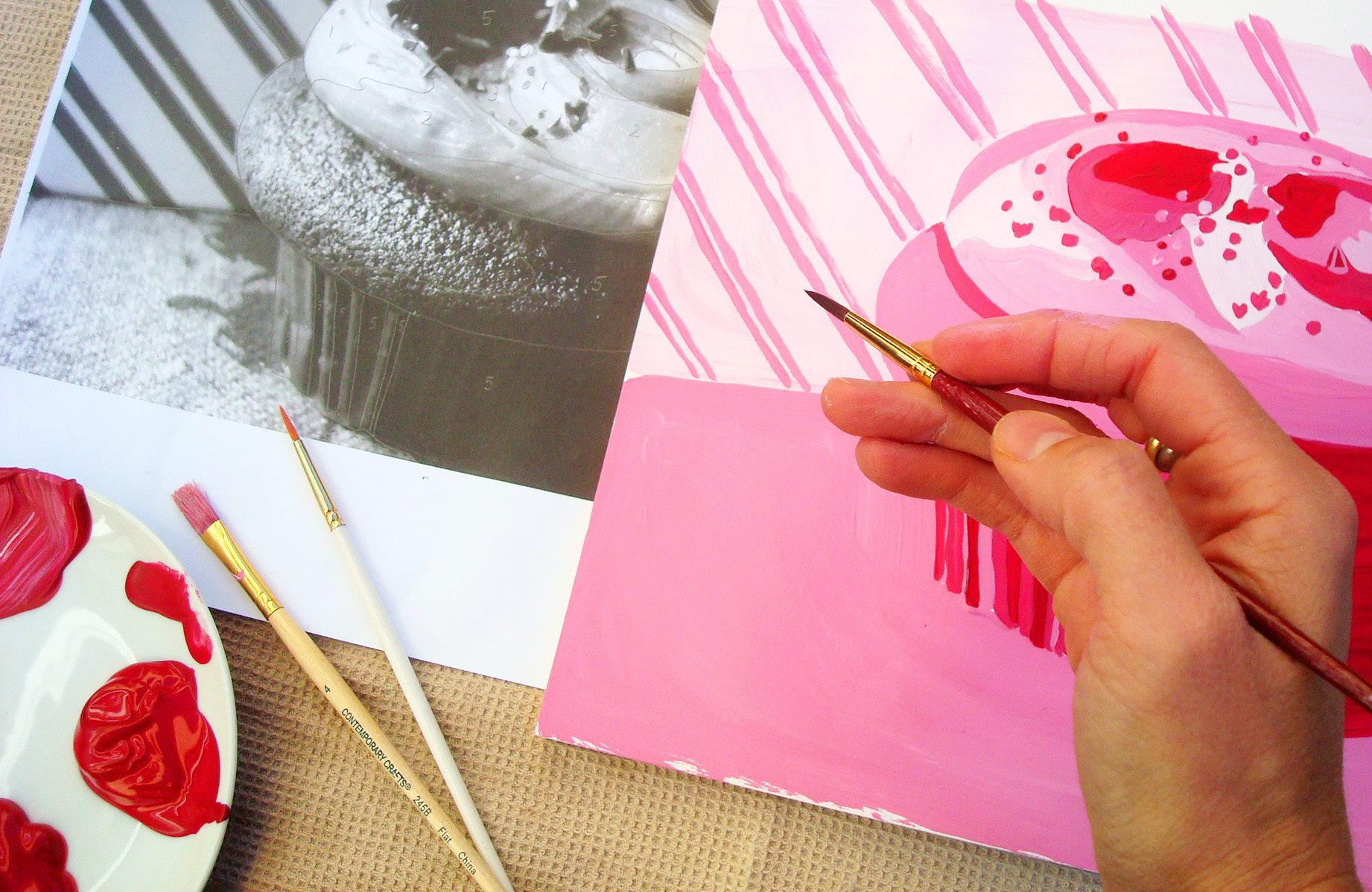 Cupcake in monochrome acrylic