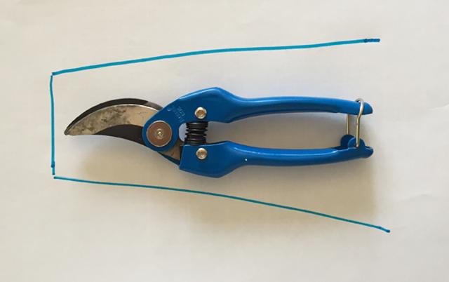 trace shape of shears