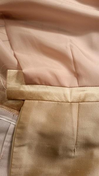 waistband centered between skirt and lining