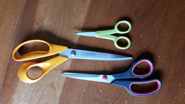 3 pair of scissors