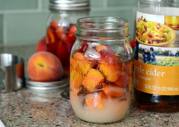 How to Make a Peach Drinking Shrubs