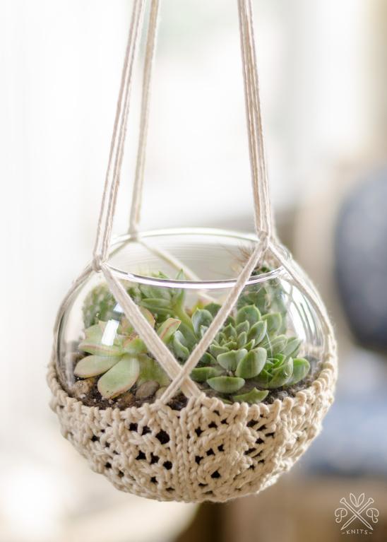 Knitted Terrarium Hanger