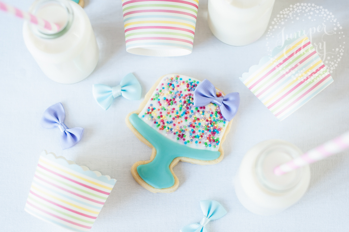Royal icing birthday cake cookie tutorial