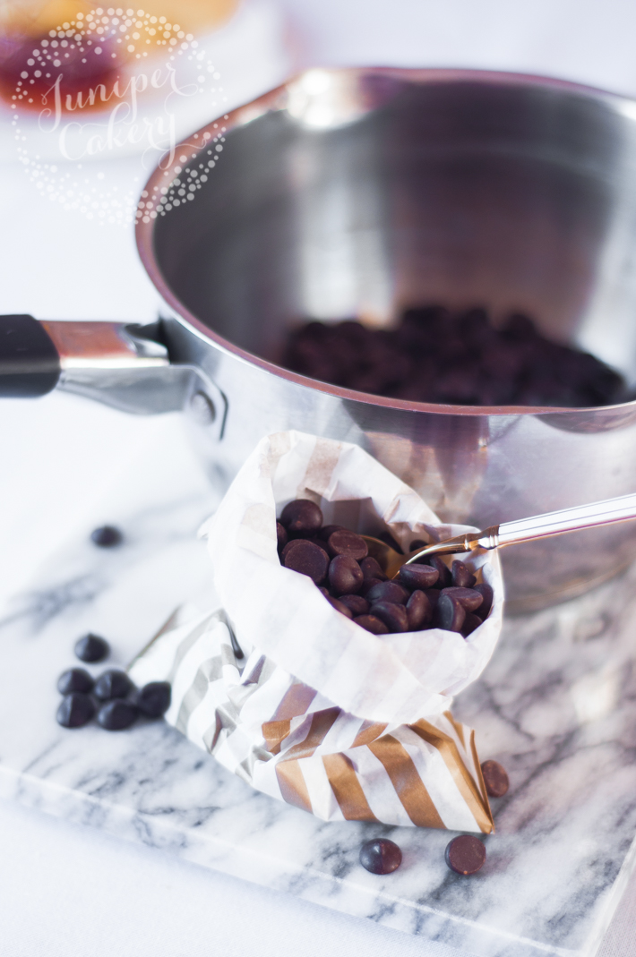 Make a delicious chocolate glaze for your cakes with this easy recipe by Juniper Cakery