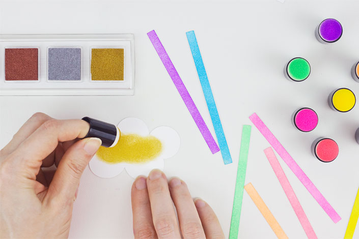 Coloring With Ink : DIY Rainbow Thank You Card, Step 2