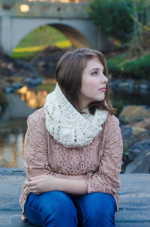 Whitman Cowl FREE Knitting Pattern