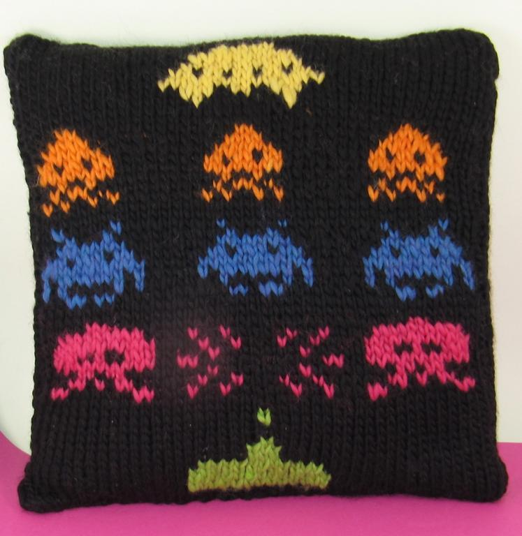 Superfast Retro Space Invaders Cushion Knitting Pattern