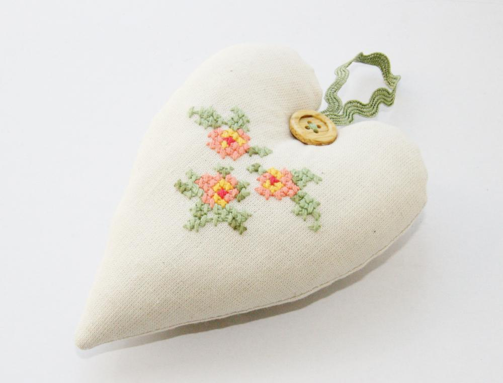 Cross stitched heart by craftsy member Sisters Dreams.