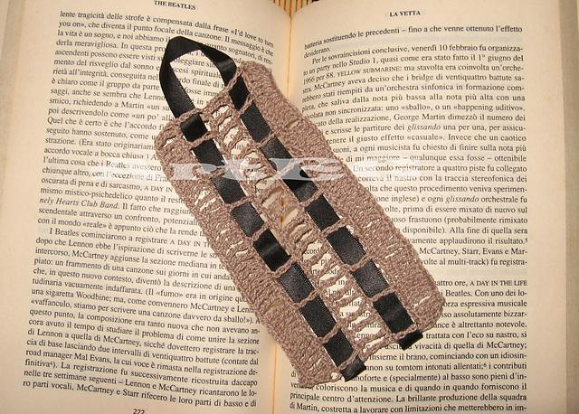 Elegant Bookmark FREE Crochet Pattern