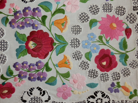 Hungarian floral embroidery. Photo courtesy of Macaristanbul