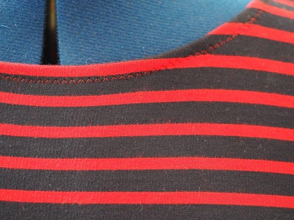 knits zig zag top stitch
