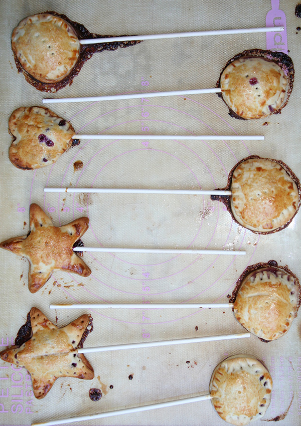Baked pie pops