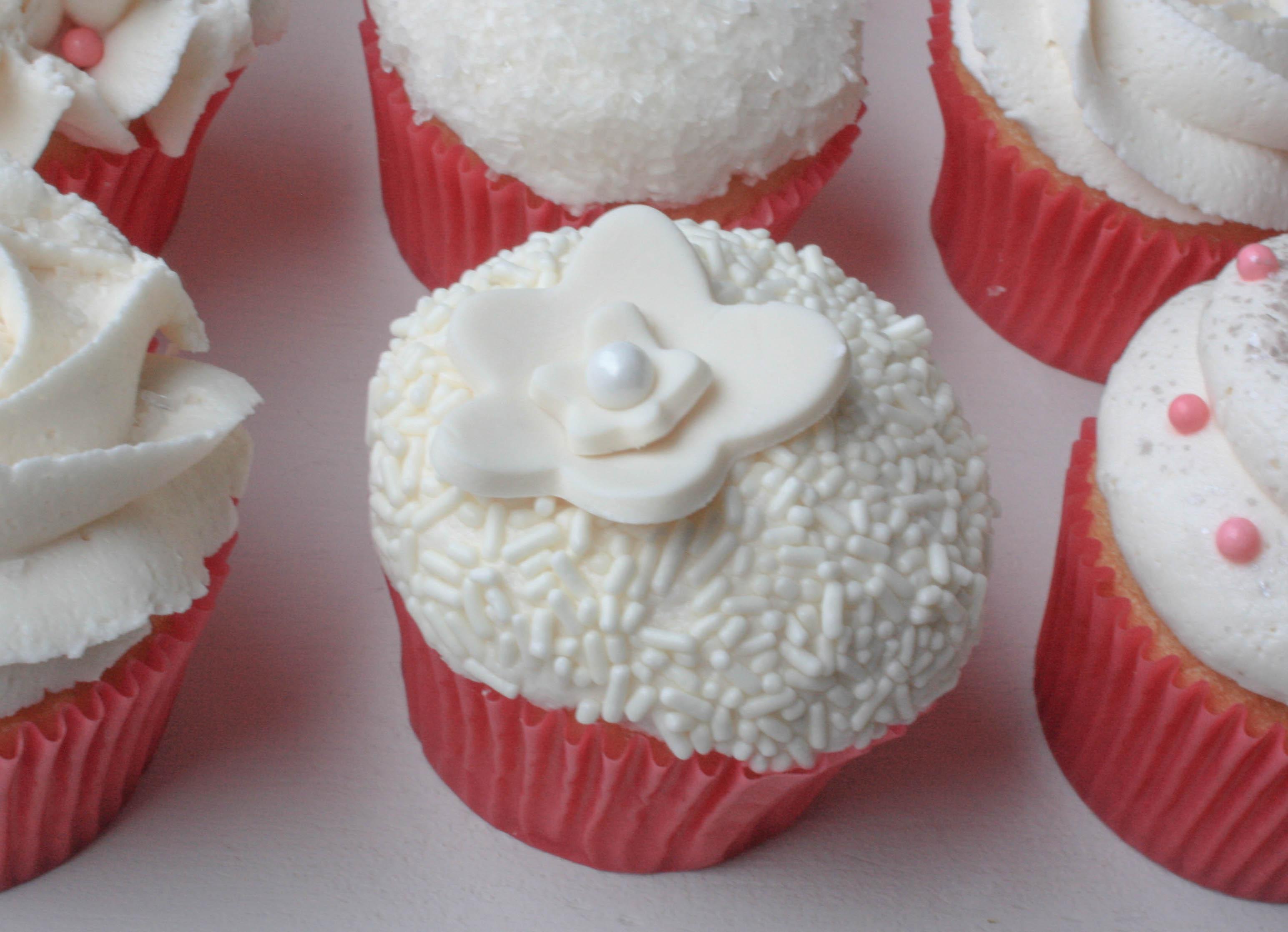 Wedding Cupcakes   Erin Gardner