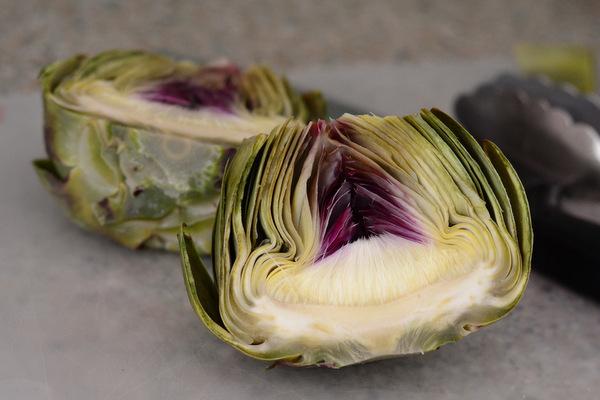 Artichoke, cut in half