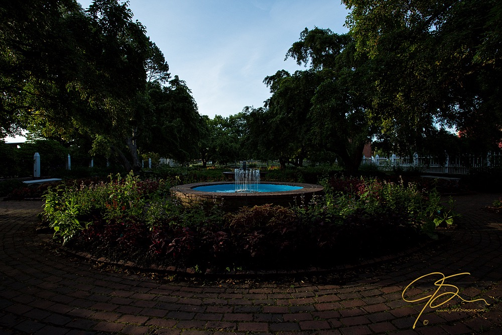 Fountain image at  EV -1