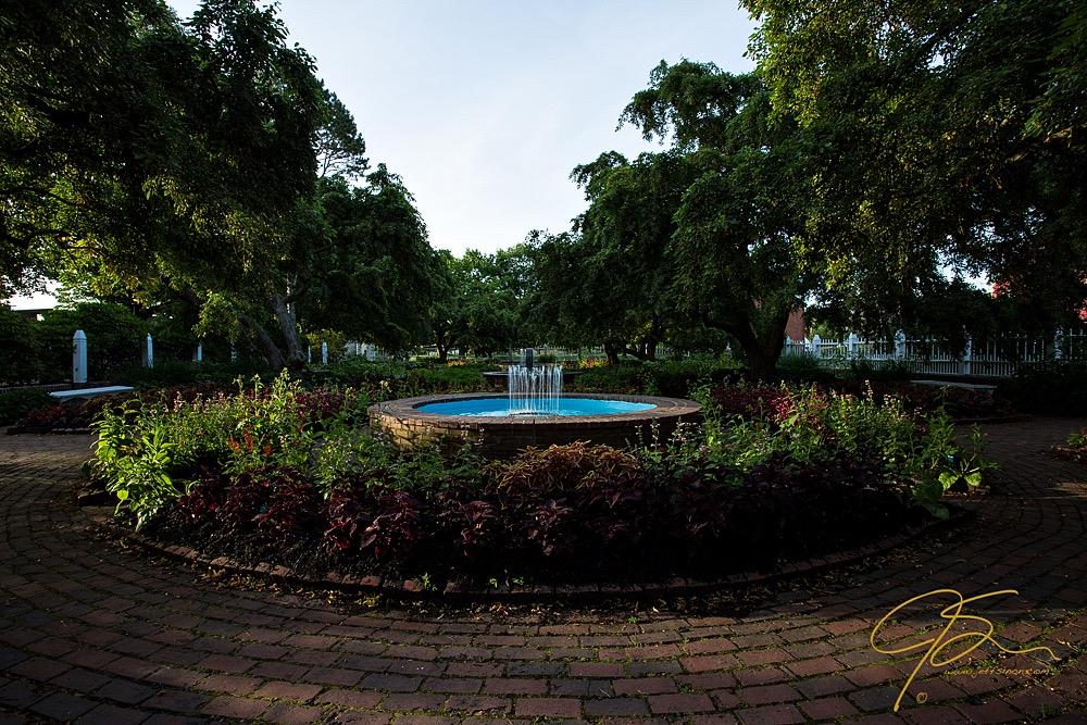 Fountain image at EV 0