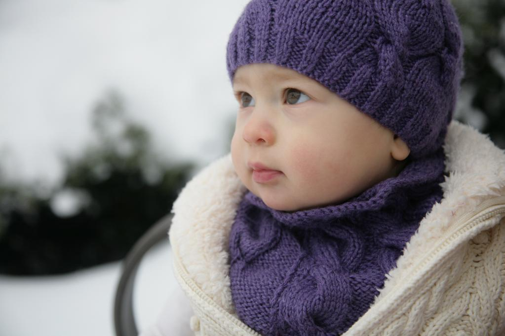 Cabled Baby Hat Knitting pattern
