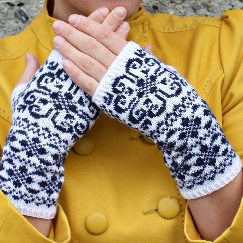 Norwegian Heart Fingerless Gloves Knitting Pattern