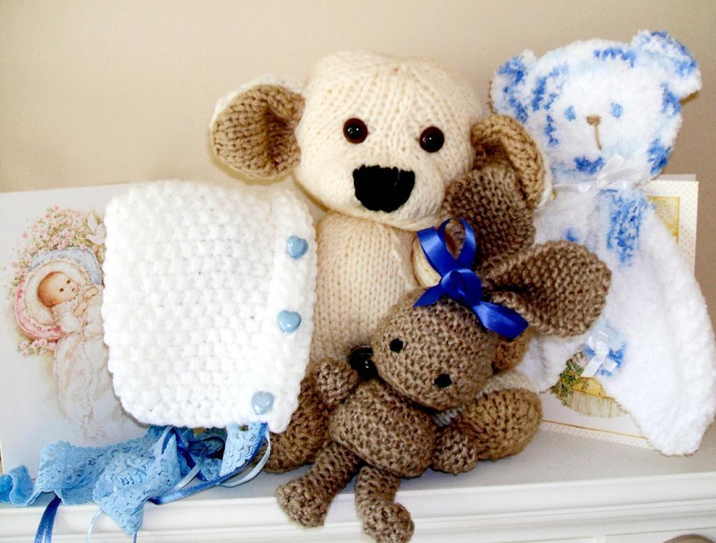 Baby Shower Gift Set Knitting Pattern