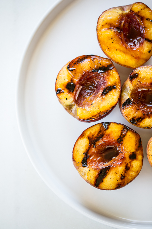Simple Grilled Peaches