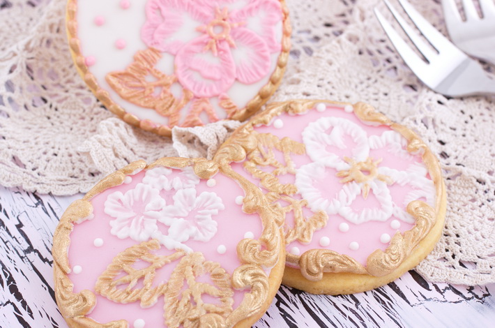 Detail on brush embroidery cookies