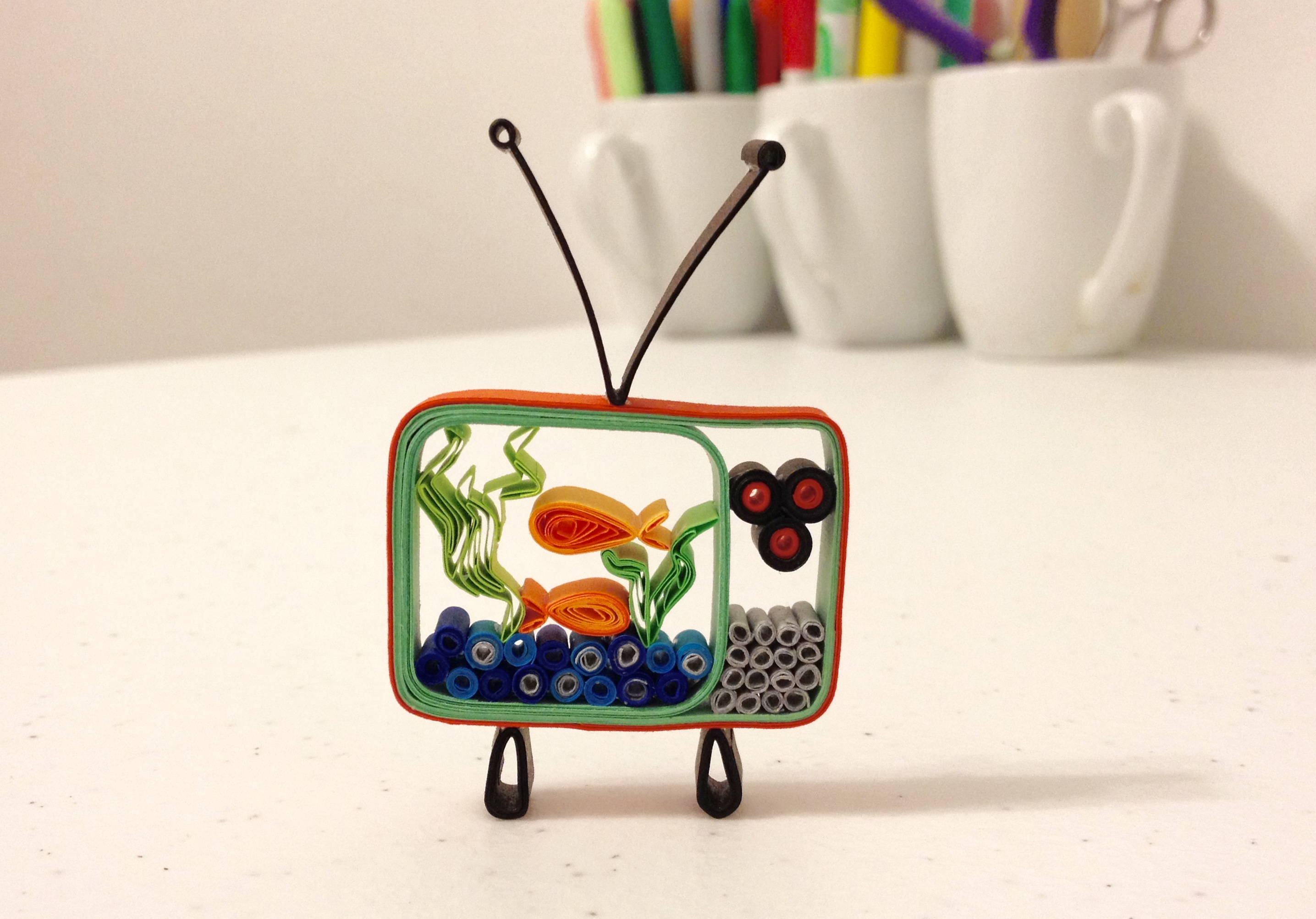 3d quilled television fish tank ornament