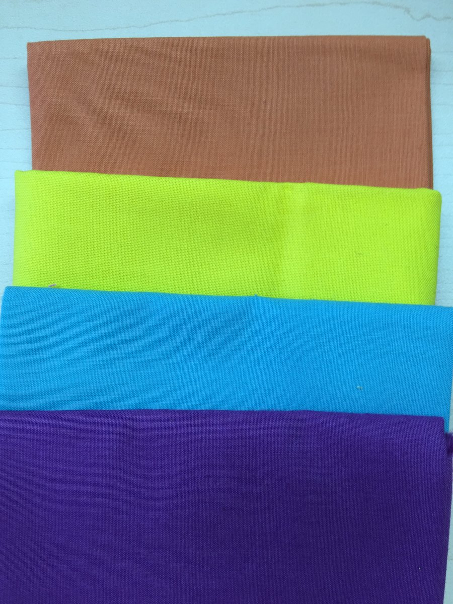 Use Solid Fabrics for Modern Quilting